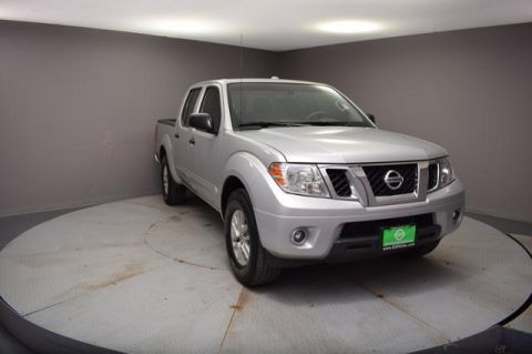 Pre-Owned 2015 Nissan Frontier 2WD Crew Cab SWB Auto SV